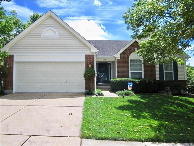 13104 Barrett Meadows Drive, Ballwin, MO 63021 (#17067030) :: The Becky O'Neill Power Home Selling Team