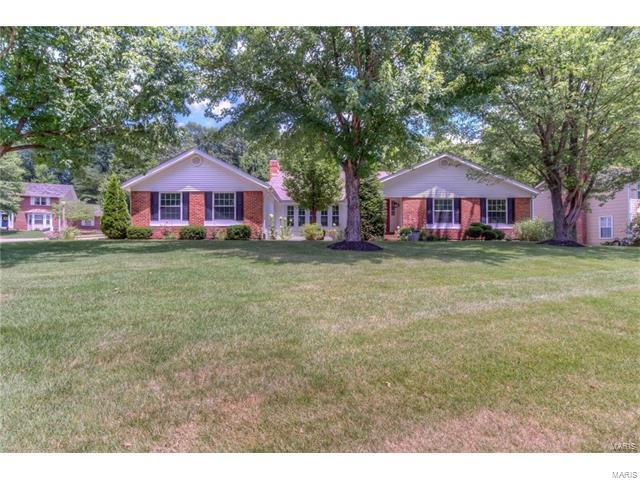 14 Homestead, Saint Charles, MO 63303 (#17067408) :: The Kathy Helbig Group