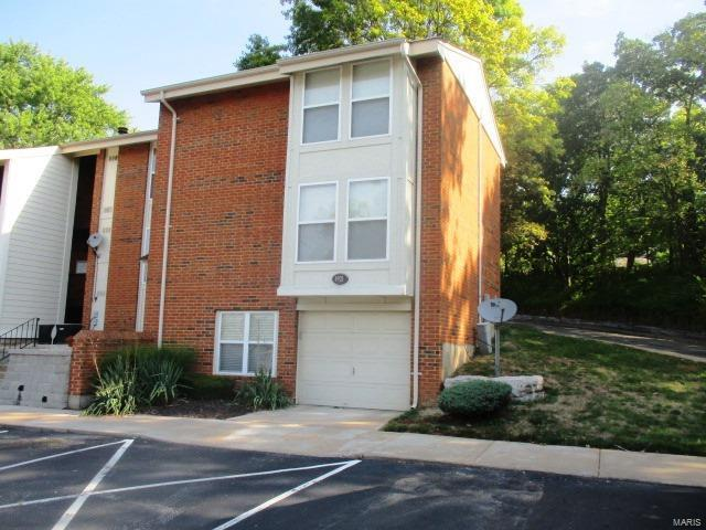 1921 Hunting Lake Court #1921, Kirkwood, MO 63122 (#17067819) :: RE/MAX Vision