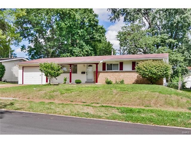 490 Paddlewheel, Florissant, MO 63033 (#17068089) :: Holden Realty Group - RE/MAX Preferred