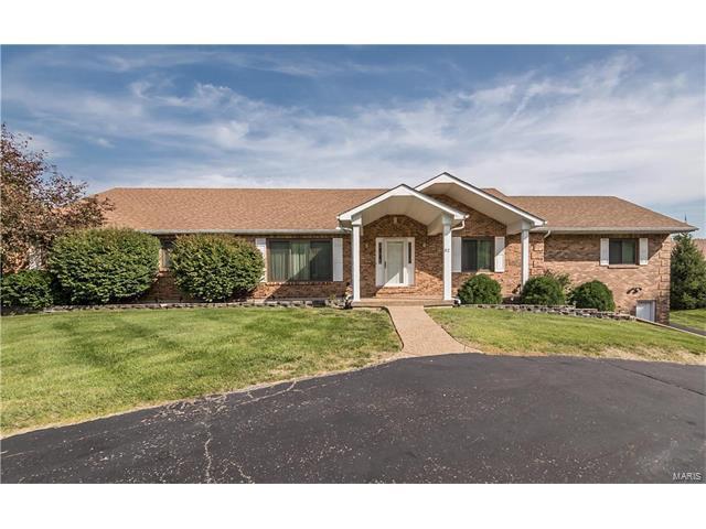 52 Waynesboro Court, Weldon Spring, MO 63304 (#17069457) :: The Kathy Helbig Group