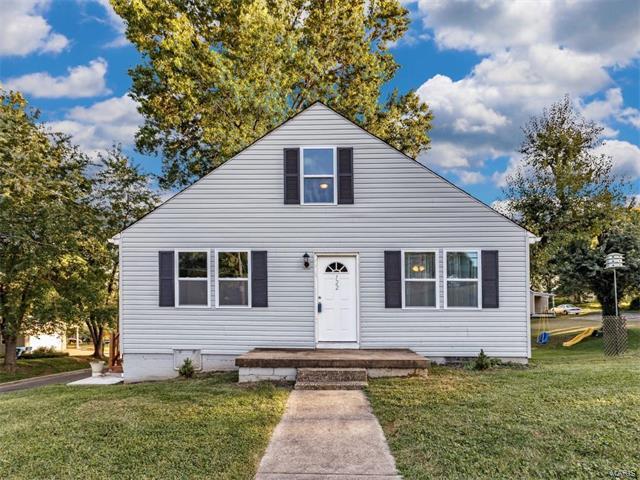 122 Sunset Avenue, Glen Carbon, IL 62034 (#17072220) :: Fusion Realty, LLC