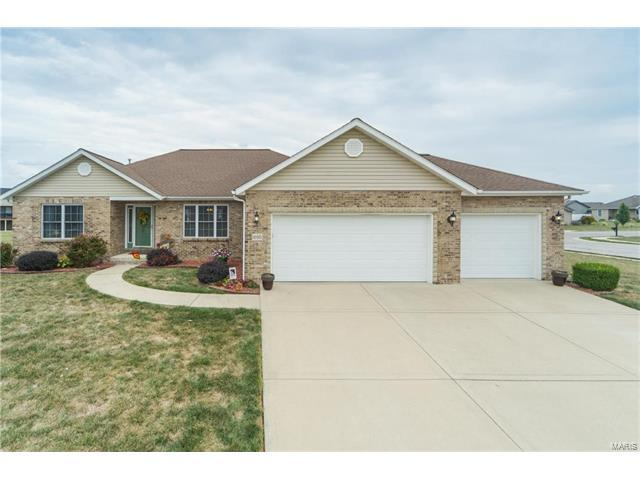 1000 Hunters Trail, Mascoutah, IL 62258 (#17074812) :: Fusion Realty, LLC