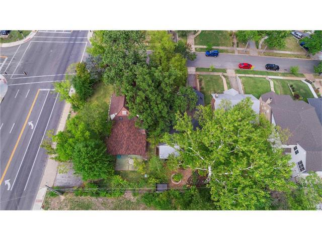 2100 S Brentwood Boulevard, Brentwood, MO 63144 (#17076509) :: RE/MAX Vision