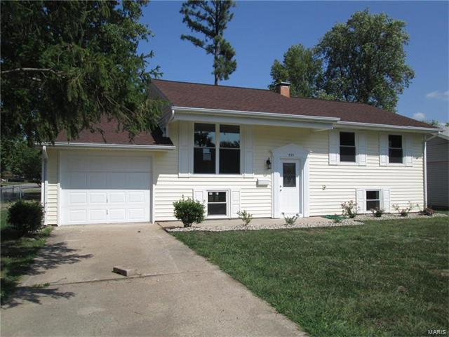 925 W Corrington Street, Mascoutah, IL 62258 (#17076677) :: Fusion Realty, LLC