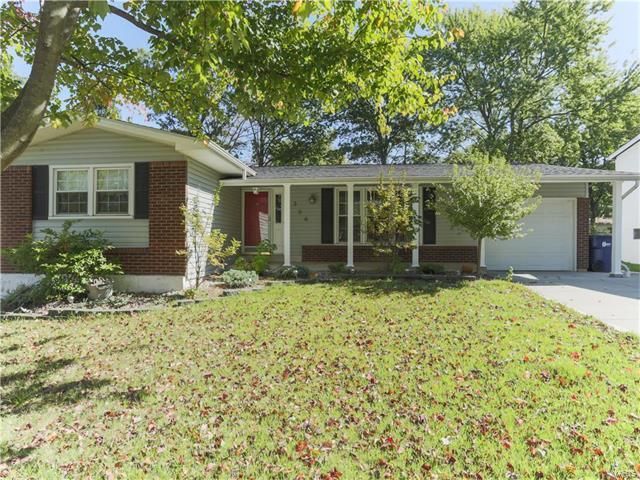 1356 Glenrock, Maryland Heights, MO 63043 (#17076909) :: Clarity Street Realty