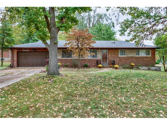 9838 Crestwick Drive, Sunset Hills, MO 63128 (#17077535) :: The Becky O'Neill Power Home Selling Team