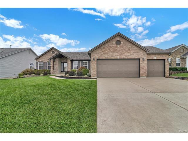 116 Bear Claw Drive, Wentzville, MO 63385 (#17077833) :: The Kathy Helbig Group