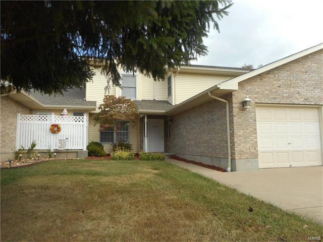 306 Holly Tree, Farmington, MO 63640 (#17079721) :: Carrington Real Estate Services