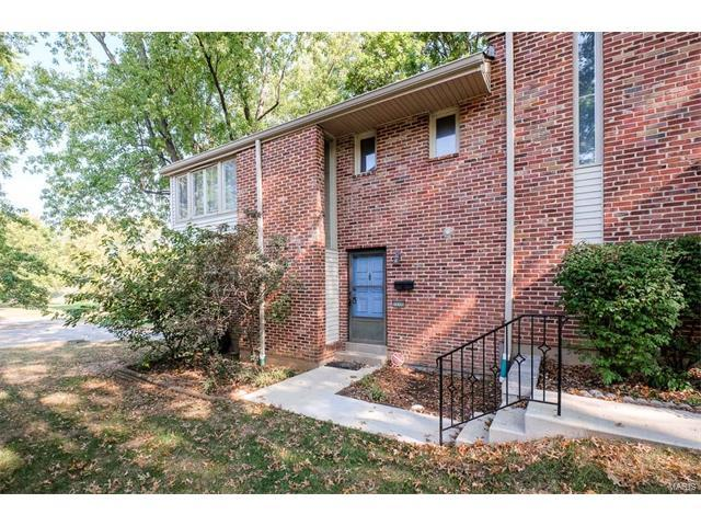 12335 Rossridge Court, St Louis, MO 63146 (#17080274) :: Clarity Street Realty