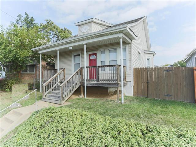 3258 S Big Bend, St Louis, MO 63143 (#17080642) :: Clarity Street Realty