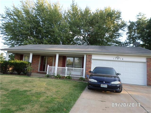 11216 Parkmont Drive, St Louis, MO 63138 (#17080887) :: Clarity Street Realty