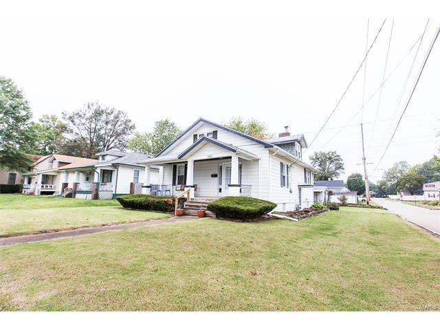 1111 N Charles, Belleville, IL 62221 (#17081382) :: Holden Realty Group - RE/MAX Preferred