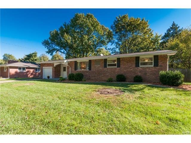 1919 Monticello, Edwardsville, IL 62025 (#17081428) :: Holden Realty Group - RE/MAX Preferred