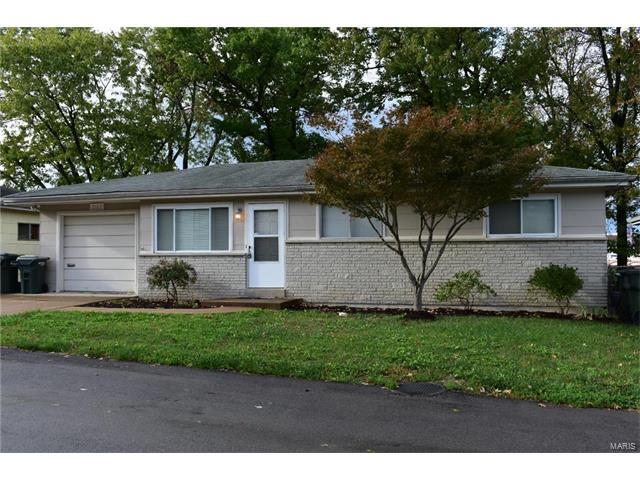 2163 Christy Drive, Arnold, MO 63010 (#17081813) :: Clarity Street Realty