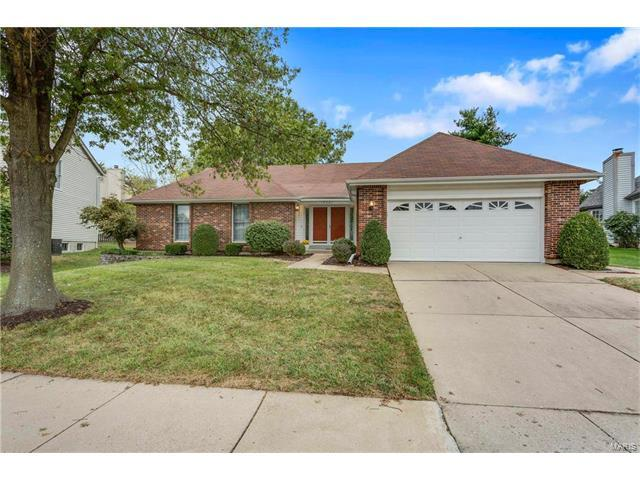 15621 Coventry Farm Drive, Chesterfield, MO 63017 (#17081826) :: Kelly Hager Group | Keller Williams Realty Chesterfield