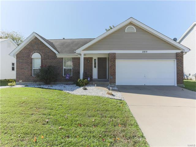 2815 Chapel View, Florissant, MO 63031 (#17081868) :: Clarity Street Realty
