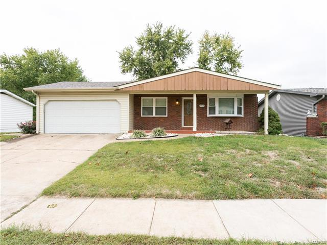 3908 Via Miralesta, St Louis, MO 63125 (#17082102) :: RE/MAX Vision