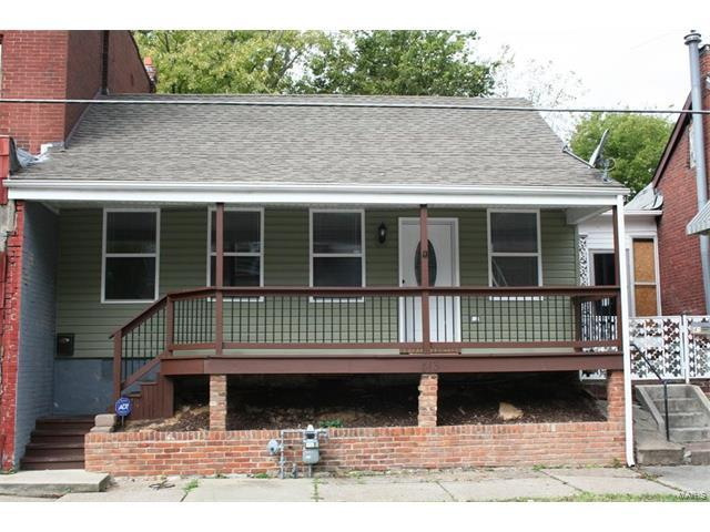 413 S Church Street, Belleville, IL 62220 (#17082115) :: Holden Realty Group - RE/MAX Preferred