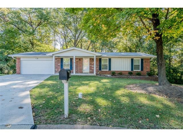 712 Valley View Drive, Manchester, MO 63011 (#17082201) :: The Kathy Helbig Group