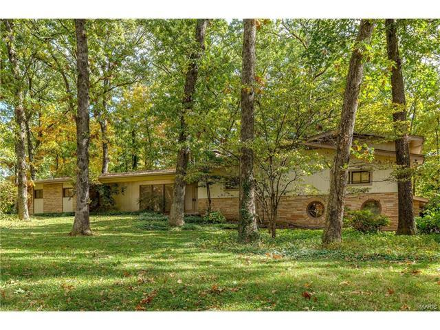 148 Frontenac Forest, Frontenac, MO 63131 (#17082251) :: Kelly Hager Group | Keller Williams Realty Chesterfield