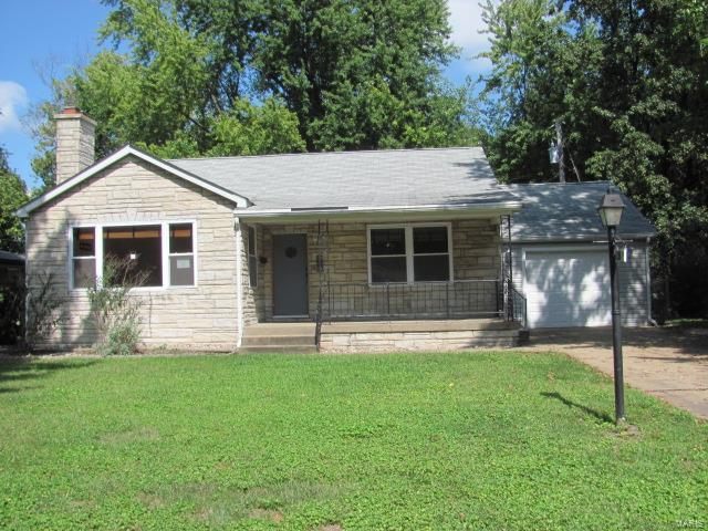 21 Lakeview Drive, Belleville, IL 62223 (#17082253) :: Holden Realty Group - RE/MAX Preferred