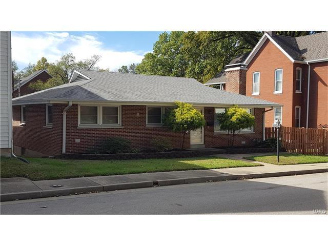 567 Jackson Street, Saint Charles, MO 63301 (#17082287) :: RE/MAX Vision