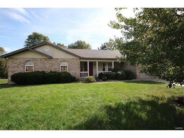 408 Springwood Drive, Belleville, IL 62220 (#17082349) :: Holden Realty Group - RE/MAX Preferred