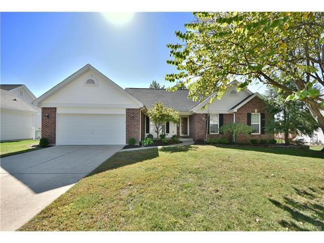 357 Huntleigh Manor, Saint Charles, MO 63303 (#17082476) :: The Kathy Helbig Group