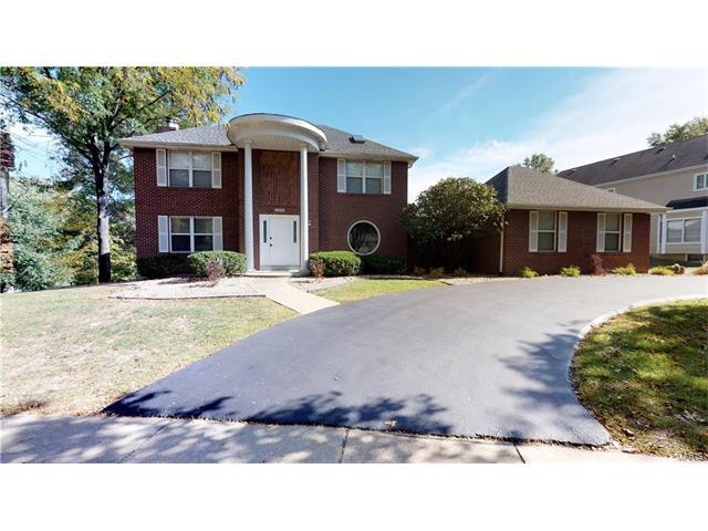 15335 Schoettler Estates Drive, Chesterfield, MO 63017 (#17082855) :: The Kathy Helbig Group