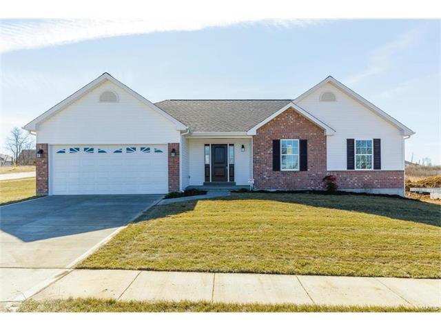 1357 Mason Grove Drive, Saint Charles, MO 63304 (#17084273) :: The Kathy Helbig Group