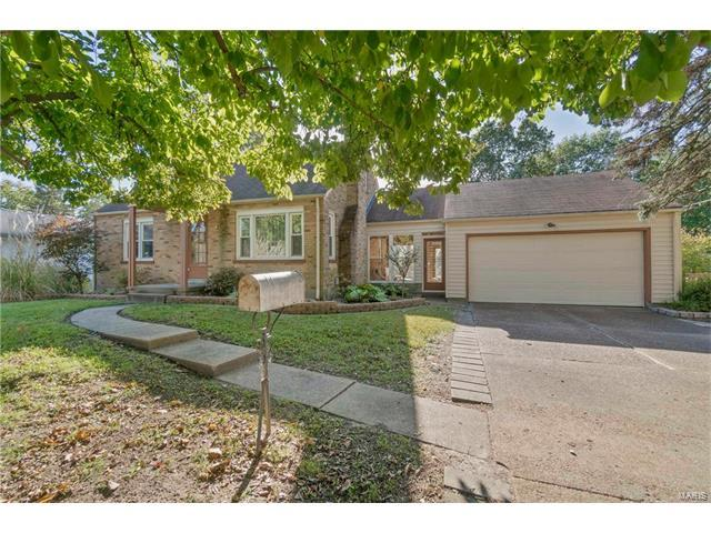 1530 Washington, Florissant, MO 63033 (#17084529) :: Clarity Street Realty