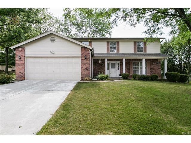 527 Lering Ct, Ballwin, MO 63011 (#17084556) :: The Becky O'Neill Power Home Selling Team