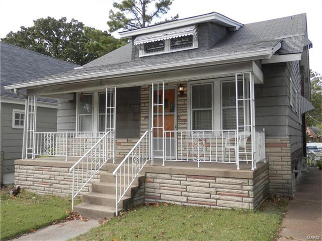3139 Hampton Avenue, St Louis, MO 63139 (#17084600) :: The Becky O'Neill Power Home Selling Team