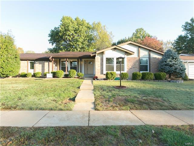 10515 Gregory, St Louis, MO 63128 (#17084665) :: Clarity Street Realty