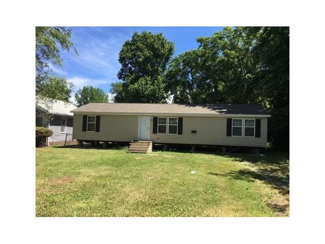 5303 Bond Avenue, East St Louis, IL 62207 (#17084961) :: Fusion Realty, LLC