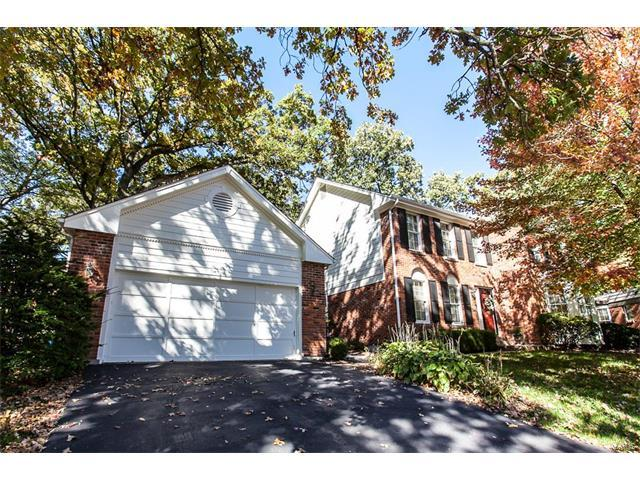 27 Webster Oaks Drive, Webster Groves, MO 63119 (#17086258) :: Clarity Street Realty