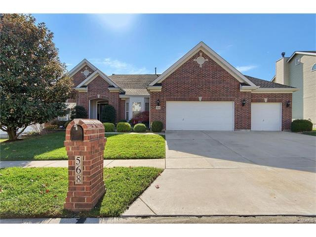 568 Oakwood Drive, Fenton, MO 63026 (#17088471) :: The Becky O'Neill Power Home Selling Team