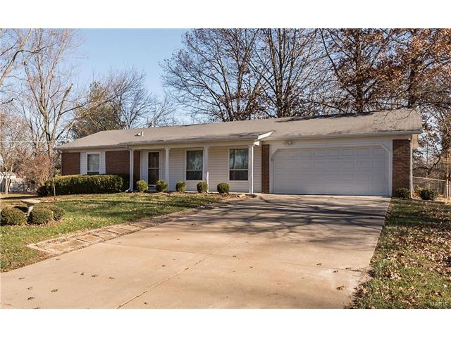 47 Oak Hill Drive, Ellisville, MO 63021 (#17089474) :: The Kathy Helbig Group