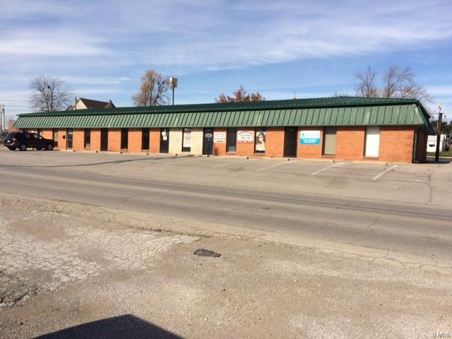 701 Veterans Memorial Parkway 701-715, Warrenton, MO 63383 (#17089645) :: Clarity Street Realty