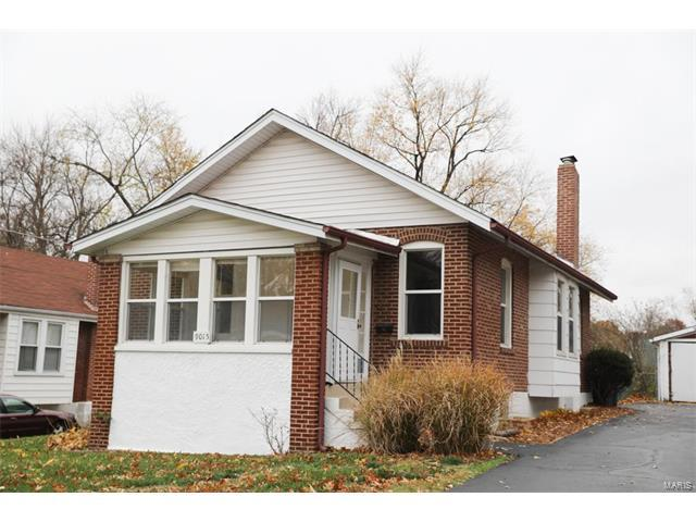 9015 Forest Avenue, St Louis, MO 63114 (#17090006) :: Clarity Street Realty