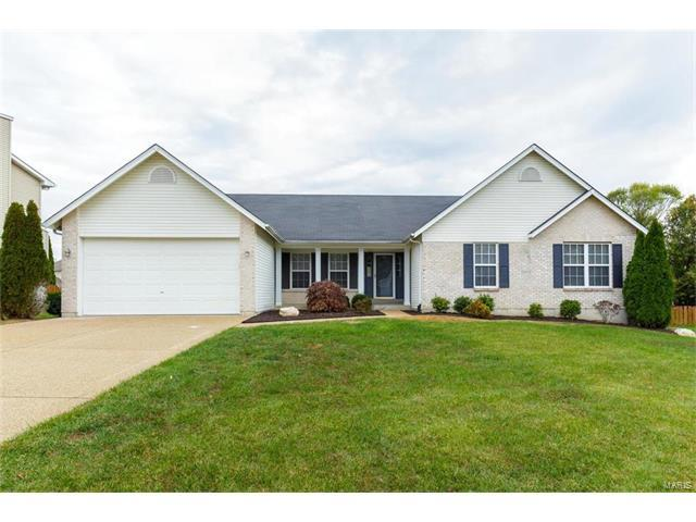 12 Green Heron Court, Dardenne Prairie, MO 63368 (#17090142) :: The Kathy Helbig Group