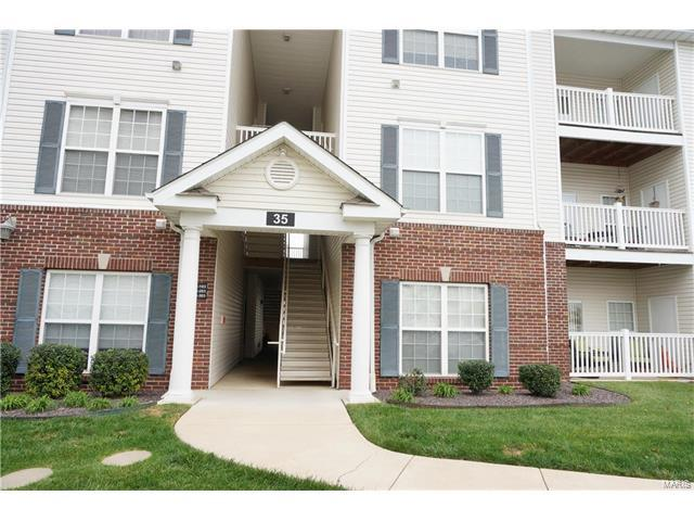 35 Kassebaum Lane #202, St Louis, MO 63129 (#17090335) :: Carrington Real Estate Services