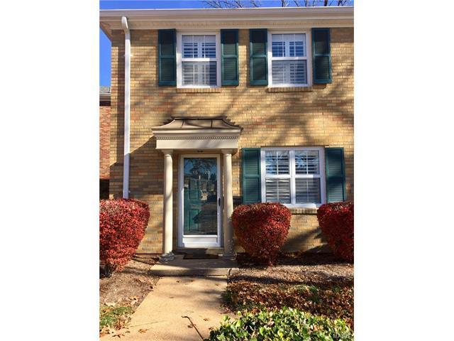 1578 E Swan Circle, Brentwood, MO 63144 (#17090777) :: Carrington Real Estate Services