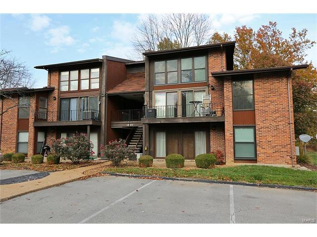 1045 Mersey Bend Drive E, St Louis, MO 63129 (#17090874) :: Clarity Street Realty