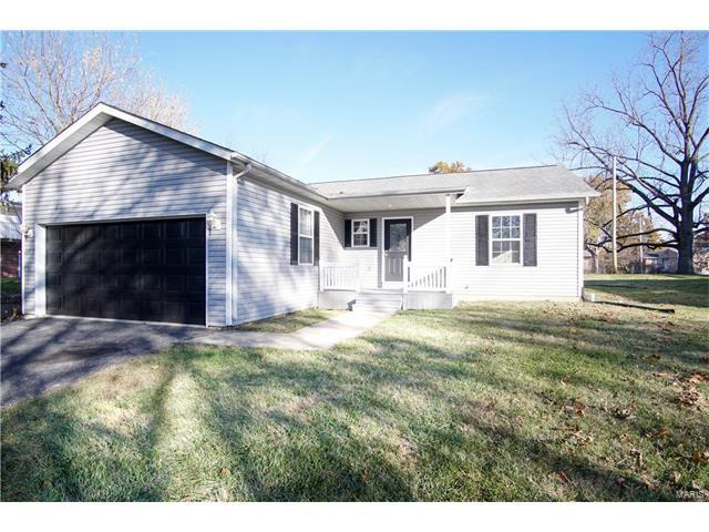 204 Fournie Lane, Swansea, IL 62226 (#17090948) :: Holden Realty Group - RE/MAX Preferred