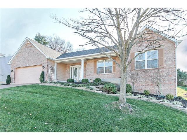 208 Greenburn Drive, Weldon Spring, MO 63304 (#17093213) :: The Kathy Helbig Group