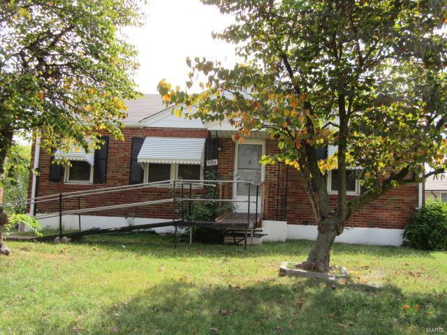 9916 Huntingdon, St Louis, MO 63123 (#17093288) :: Clarity Street Realty