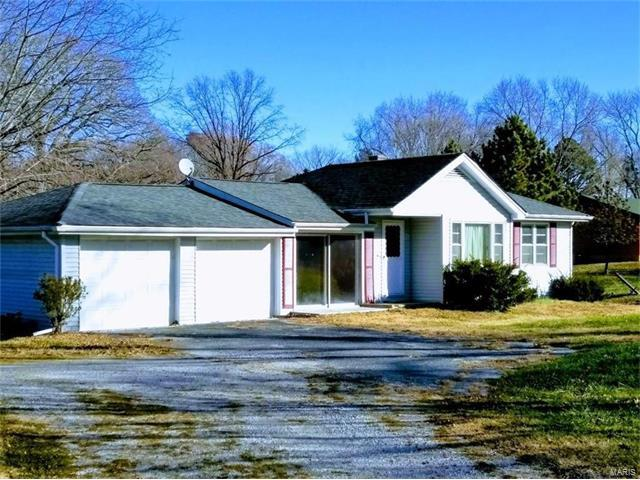7133 Lebanon Road, Collinsville, IL 62234 (#17093915) :: Holden Realty Group - RE/MAX Preferred