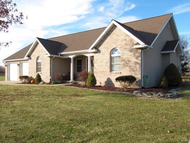 203 Penny, GILLESPIE, IL 62033 (#17093977) :: Fusion Realty, LLC